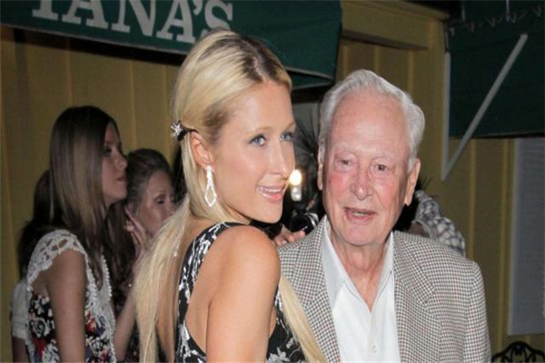 希尔顿前CEO去世 享年91岁,掌舵希尔顿酒店达30年