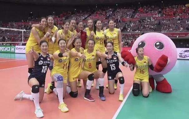 女排世界杯中国女排十连胜夺冠 3:0完胜塞尔维亚女排实力碾压