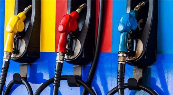 国内油价三连涨,油价三连涨,国内油价上涨