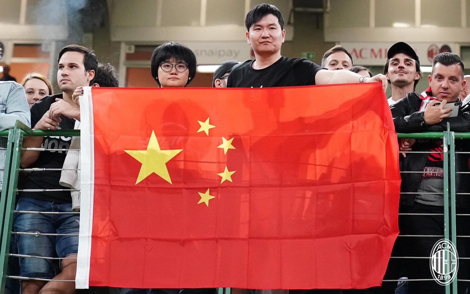 祖国生日快乐,欧洲球队为中国送祝福,70周年华诞