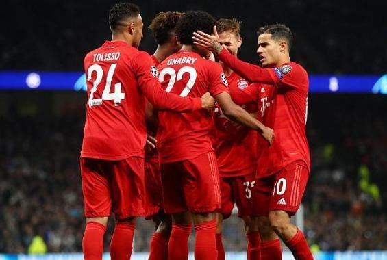 拜仁7-2狂胜热刺 格纳布里和莱万分别上演大四喜双响炮