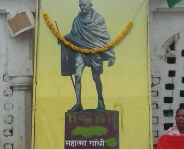 印度國父骨灰被盜,照片被寫上叛徒二字