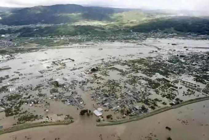 """日本台风致33人死 """"海贝思""""使东京发布"""