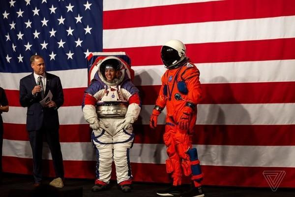 NASA公开新宇航服,NASA新宇航服,NASA宇航服