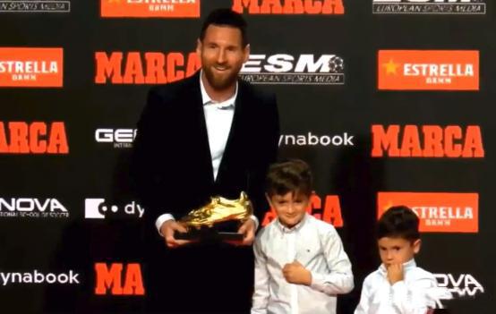 梅西正式领取欧洲金靴奖,梅西领取欧洲金靴奖,梅西第6座欧洲金靴奖