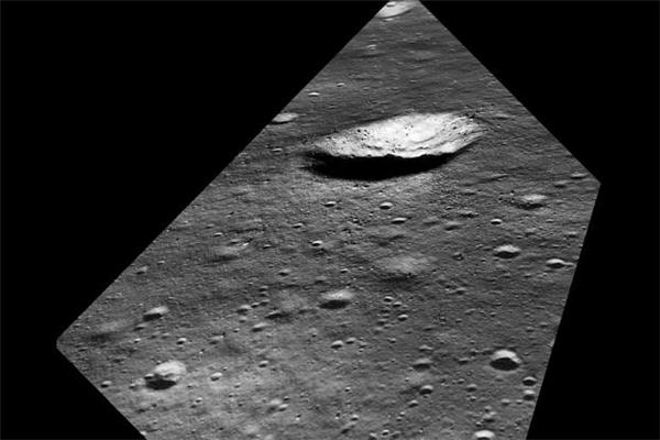 月球会变脸,月球变脸,月球遭受陨石袭击