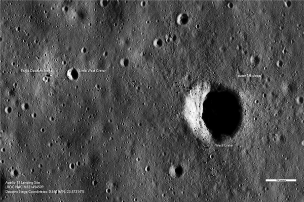 月球会变脸 频繁遭受陨石袭击,每8万年月球表面面貌会改变