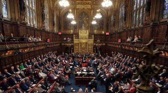 英国议会宣布解散,提前大选正式拉开序幕