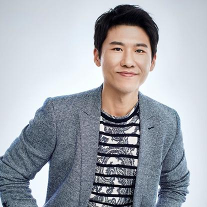 王骁,1978年5月4日出生于南京。中国内地男演员。2010年,王骁因出演情感伦理剧《迷失洛杉矶》而进入观众视野,之后参演电视剧《夏妍的秋天》和《下南洋》。