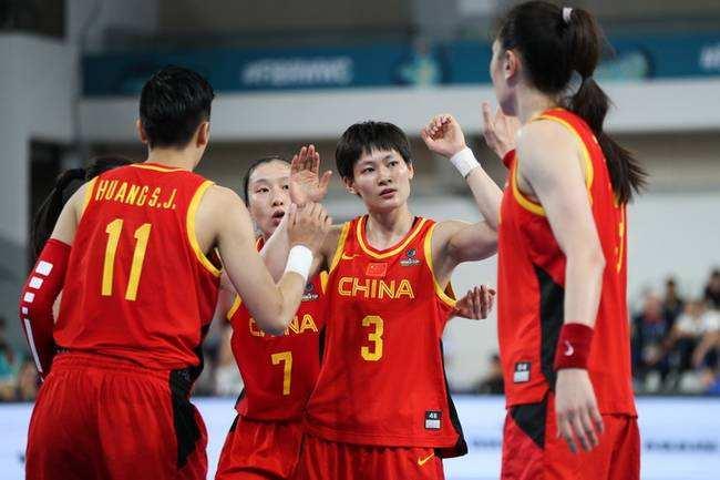 中国女篮127比49狂胜菲律宾队 中国女篮获得奥运资格!