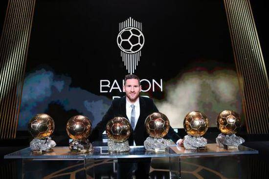 梅西六奪金球獎再創紀錄 超越C羅成足球歷史第一人