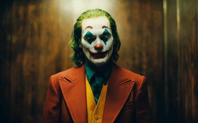 第77届金球奖颁奖典礼举行 小丑获剧情类影帝