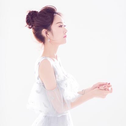 郑雪,出生于辽宁锦州,中国内地影视女演员。代表作《莽荒纪》 《一克拉梦想》《新边城浪子》等。