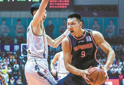 广东男篮客场击败新疆 以112比101拿到13连胜