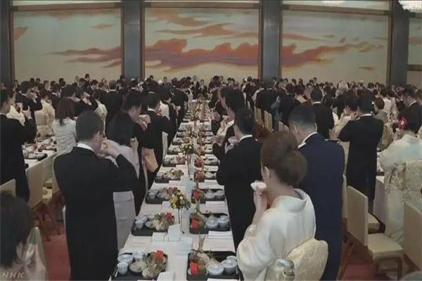 天皇寿宴如期举行是怎么回事 天皇寿宴如期举行是什么情况