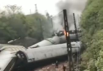 济南至广州T179次列车湖南境内脱轨最新消息 暂无人员死亡