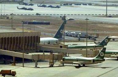 巴格达机场再遭袭击,一枚火箭弹落在美军驻点附近