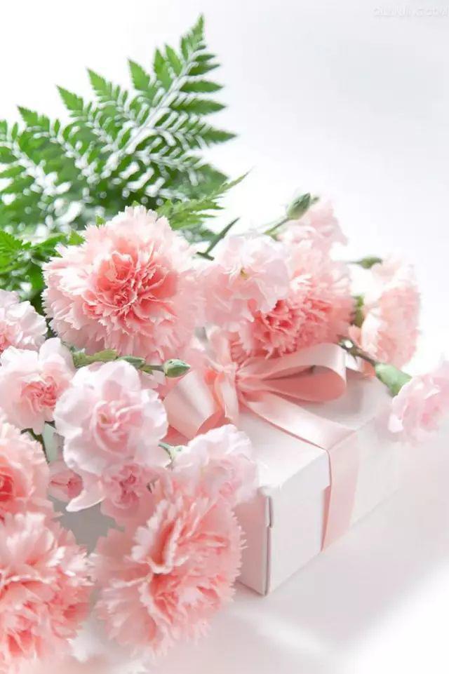 母亲节送什么礼物给妈妈比较好_自己手工制作的母亲节礼物
