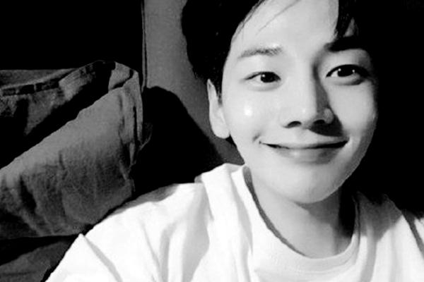 32岁韩国演员朴智勋因胃癌去世_那么胃癌早期症状有哪些呢
