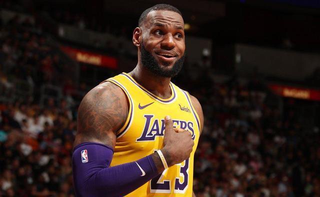 NBA球员明天降薪25% 只有詹姆斯等6人不降薪
