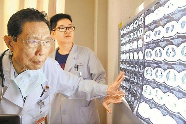 吉林疫情再传一区_31省区市新增确诊7例钟南山警惕第二波疫情新冠肺炎会卷土重来吗