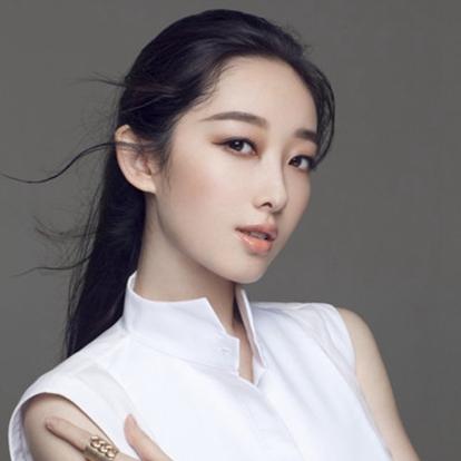 蒋梦婕,1989年12月7日出生于安徽省芜湖市,中国内地女演员,毕业于北京舞蹈学院芭蕾舞专业。2010年,凭借出演个人首部电视剧《红楼梦》获得国剧盛典最佳新人奖。