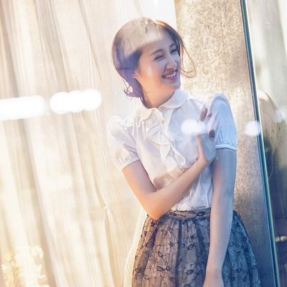 杨懿,1990年11月7日出生于江西九江,毕业于上海戏剧学院,中国内地女演员。2016年,出演青春励志谍战剧《解密》,在剧中饰演严实。