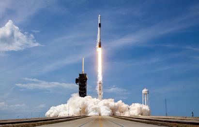 SpaceX首次商业载人发射成功,人类里移民火星又近了一步?
