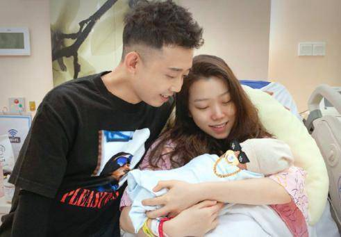 2017年《中国有嘻哈》冠军GAI周延身份再次升级_王斯然为其生下一子