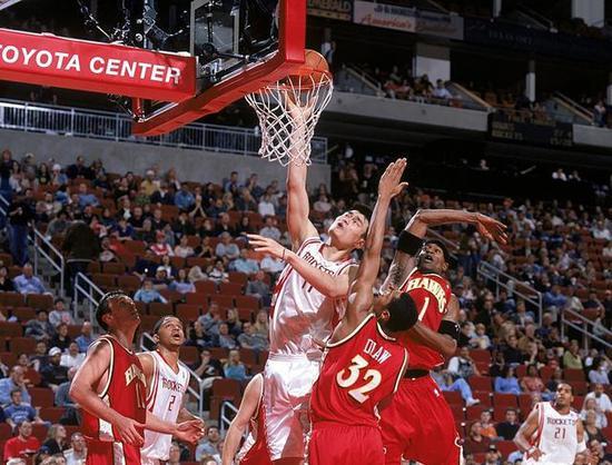 姚明十大经典比赛战役 看看姚明当年在NBA的统治力有多强