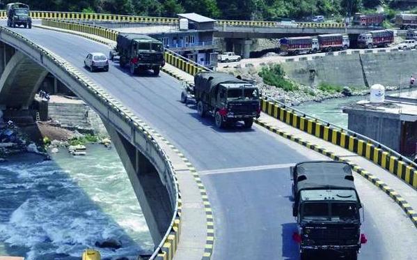 印度增兵中印边境,胡锡进警告印军不要以卵击石