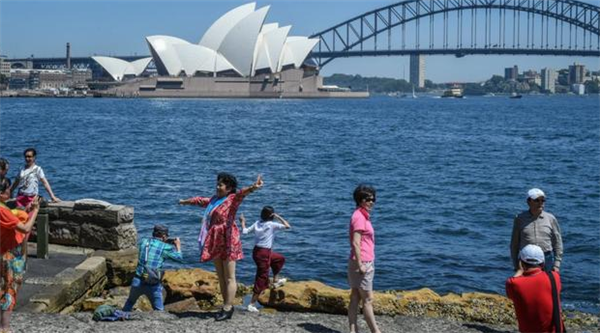 外交部在提醒近期谨慎前往澳洲,澳媒正在持续煽动反华、仇华情绪