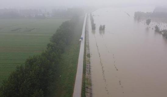 安徽:江心洲外滩圩人员尽快撤离,险情没有根本解�除不得返回!