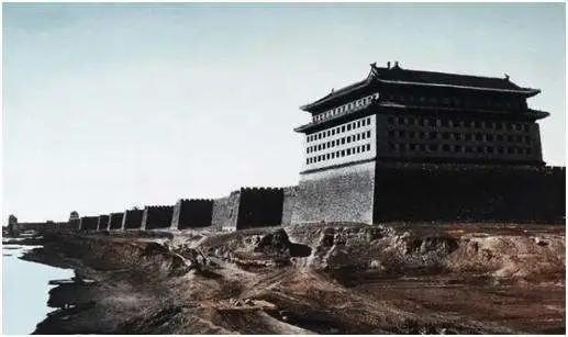 林徽因多次阻止拆除古城墙,郭沫若为何仍要坚持?有条理由很荒谬