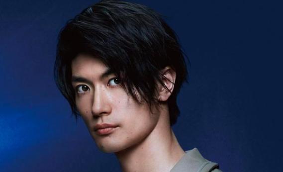 日本男星三浦春马自杀死�耗б蛔逋觯�或因遭受网络暴力选择也�缀�巢贿^了轻生