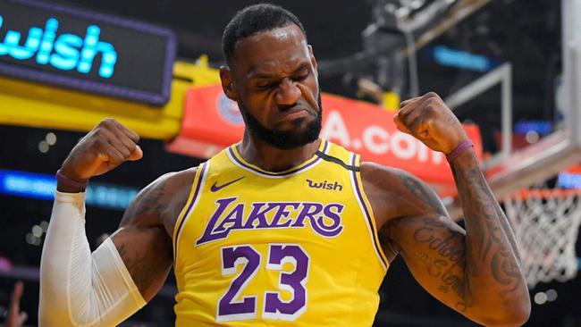 詹姆斯自认应成为MVP:谁还质疑我不敢来西部?