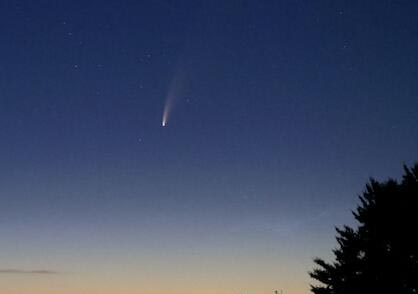 尼欧怀兹彗星划过北半球 下一次回归可能要7千年以后