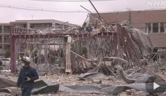 日本福岛发生爆炸事故,建筑物被击碎只剩钢架
