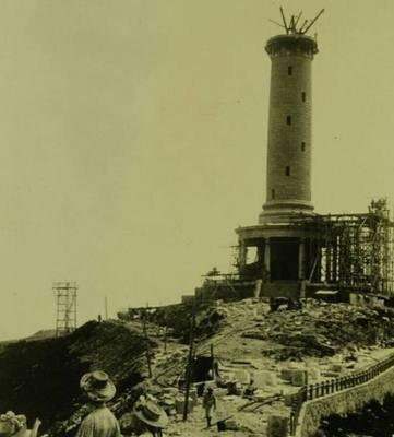 """白玉山塔为什么不拆掉?这是日本曾在中国建造的""""表忠塔"""""""