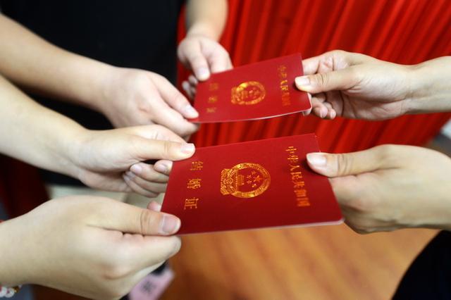 """河南未婚女子分别在5地被结婚 """"被结婚、被就业""""该如何维权?"""