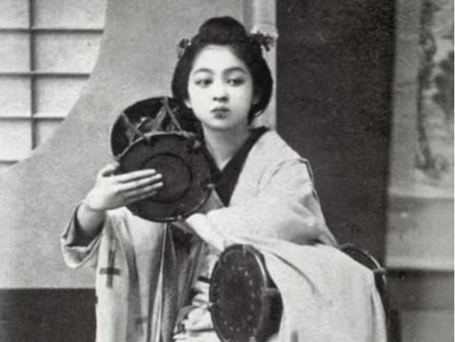 日本投降在东北遗留了10万日本女人,后来是怎么处置的?