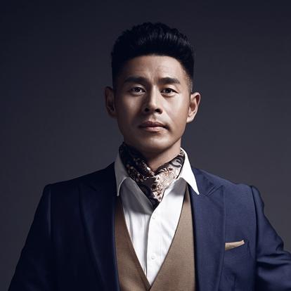 马东延,原名马强,1978年12月28日出生于河南省郑州市,中国内地影视男演员,毕业于解放军艺术学院。2000年,出演个人首部电视剧《隋炀帝传奇》,从而正式进入演艺圈。
