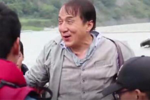成龙拍新片《急先锋》时意外溺水消失45秒 导演当时就急哭了