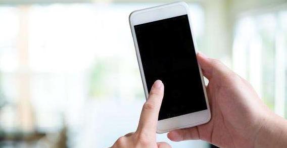 新冠病毒可在手机屏上存活一个月,公众场所玩手机的注意了!