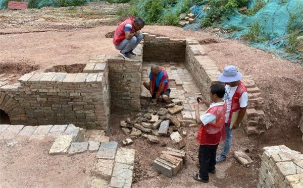 广州一中学发现125座古墓,时间跨度超过千年