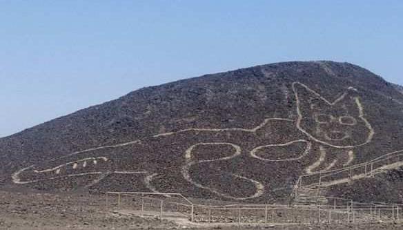 秘鲁发现37米猫形地画,比纳斯卡巨画还要古老