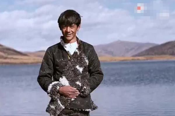 以为丁真在西藏 丁真是四川小伙,四川:原来爱会消失