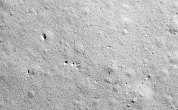 嫦娥五号成功落月,发回第一张高清月面照片