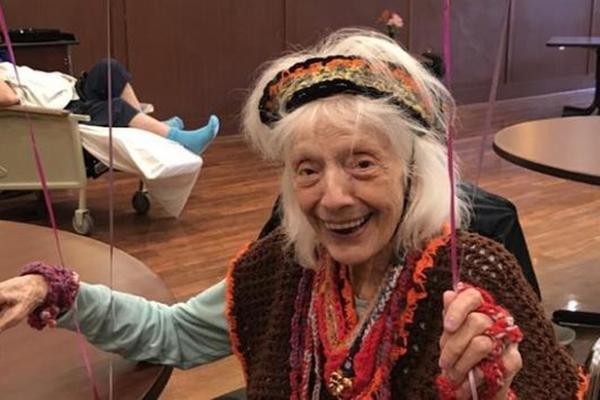 不可思议!102岁纽约老妇两次战胜新冠 曾躲过1918年西班牙大流感