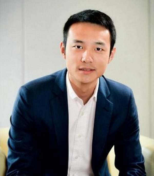 霍启刚堂弟曝在香港买不起房,搬家广州